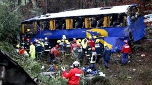 Acidente de autocarro causa 11 mortos e 32 feridos(Fonte:asbeiras.pt)