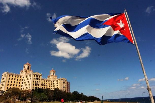 Cubanos já podem viajar sem autorização