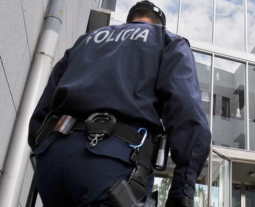 """PSP recorreu a gás pimenta para evitar """"intervenção com bastões de ordem pública(Fonte: radiocampanario.pt)"""