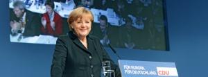 Angela Merkel afirmou que na Alemanha a situação é relativamente boa e que, ainda que o desemprego jovem seja somente de 8%, um ponto acima da média do desemprego geral, há que trabalhar para reduzir ainda mais este valor.Fonte: http://www.facebook.com/AngelaMerkel