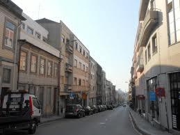 Rua Boavista é umas das ruas da área Metropolitana do Porto com centenas de lojas fechadas(fonte: http://commons.wikimedia.org/wiki/File:Rua_Boavista_(Porto).jpg)