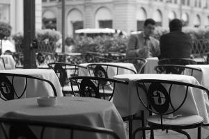 Multiplicam-se na internet os guias e as comunidades com sugestões de restaurantes low cost(Fotografia do morguefile, por Kesh)