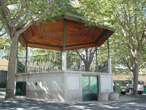 Largo do Coreto em Carnide. Rua Neves CostaFonte: Site J.F. Carnide
