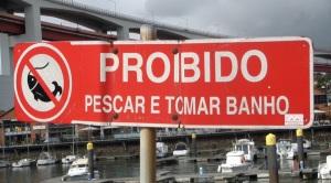 Na amontante da marina de Alcantâra a pesca é proibida