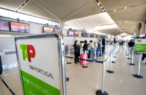 Só vão ser feitos 13,4% dos voos(Fotografia de: noticias.r7.com)