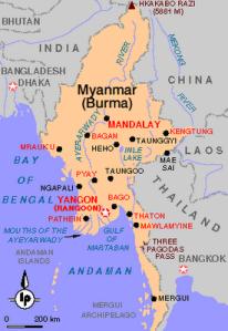 4 municípios da Birmânia estão sob a lei marcial.Já morreram 20 pessoas nos confrontos, entre as quais um monge budista