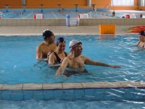 Esta actividade aquática é refrescante, saudável e faz muiiito bem!  Aqui faz se exercício a brincar, e  até a massagens têm direito