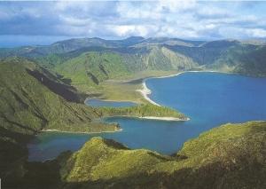 """A proteção civil dos Açores recomenda às populações """"medidas de autoproteção""""(Fonte: http://www.viaoceanica.com)"""