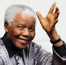 Mandela tem 94 anos (Fotografia: acaravanapassaecomelanossasvidas.blogspot.com)